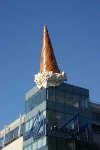 Claes-Oldenburg-Eistute-2005