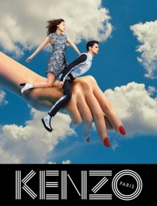 Photographie pour Kenzo de Pierpaolo Ferrari  Site : http://www.pubenstock.com/2014/kenzo-surrealise-art-contemporain-decale-publicites/